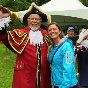 Thunderous ! VIPs join Smiths Falls in le boat celebration