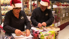 "Wanita and Dan Andress in Christmas ""Cookie Operation or Die"""